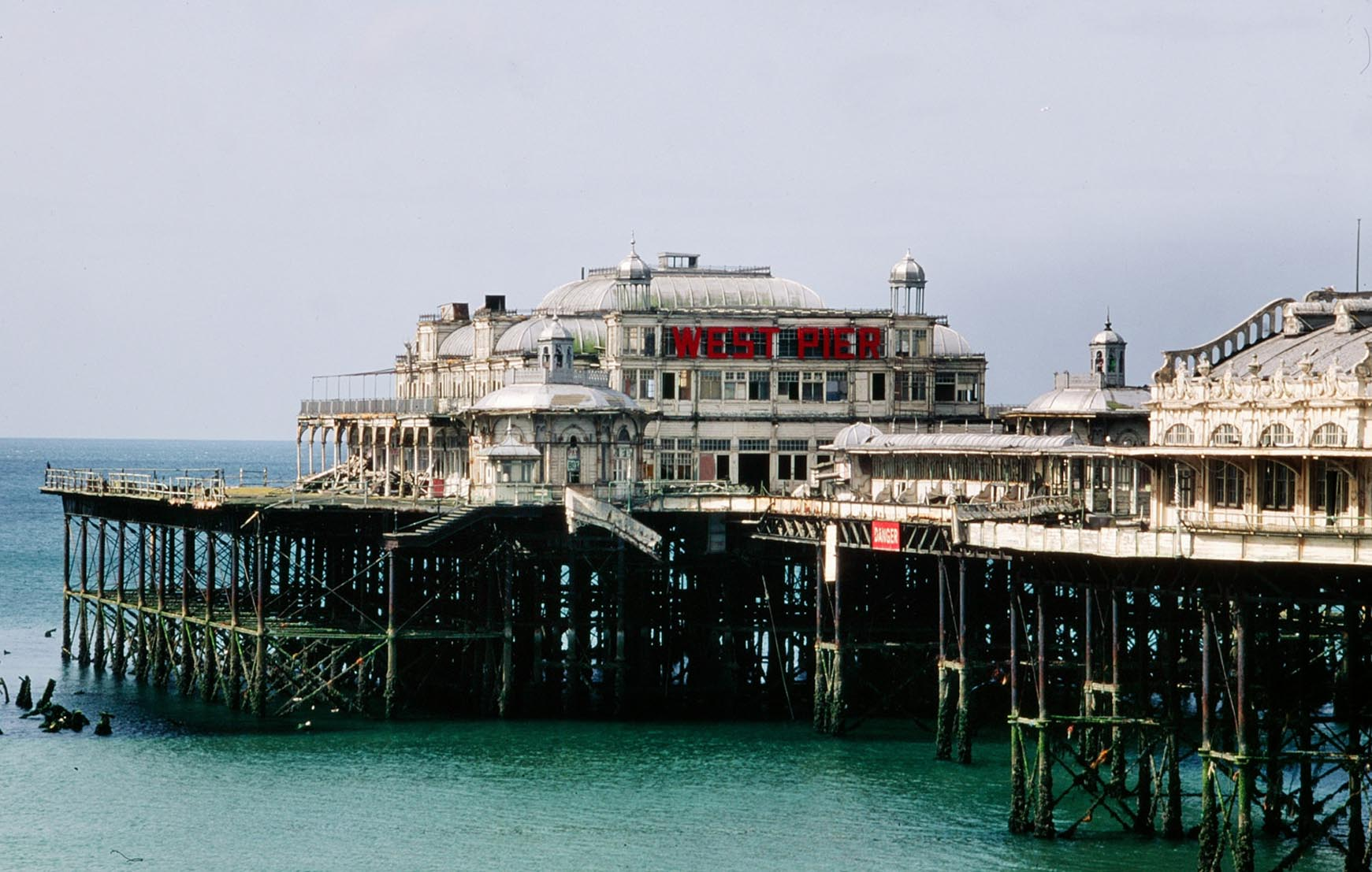 Brighton west pier remains england 1700x1023 by happy for The brighton
