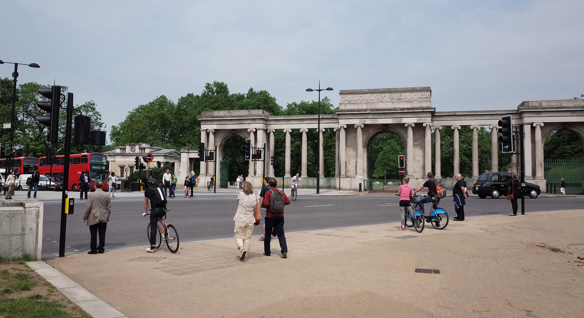 The Wellington Arch On Hyde Park Corner London 1921