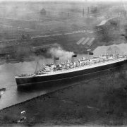 Queen Mary, River Clyde, Clydebank.